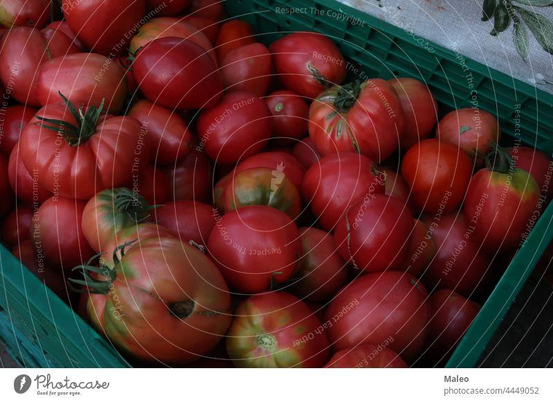 Verschiedene Gemüsesorten werden auf einem Basar in Kroatien verkauft Ackerbau künstlerisch Kunstwerk Anziehungskraft Bazar Kabine Brokkoli Bürste Striche