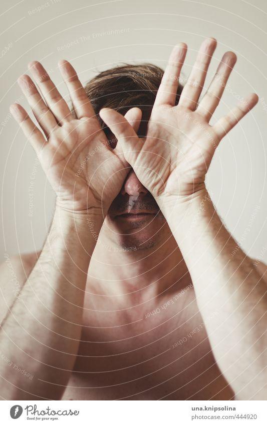 schuhu schuhu Mann Erwachsene Gesicht Hand 1 Mensch 30-45 Jahre blond Bart berühren träumen Gefühle Schutz Verschwiegenheit Scham verstört Schüchternheit