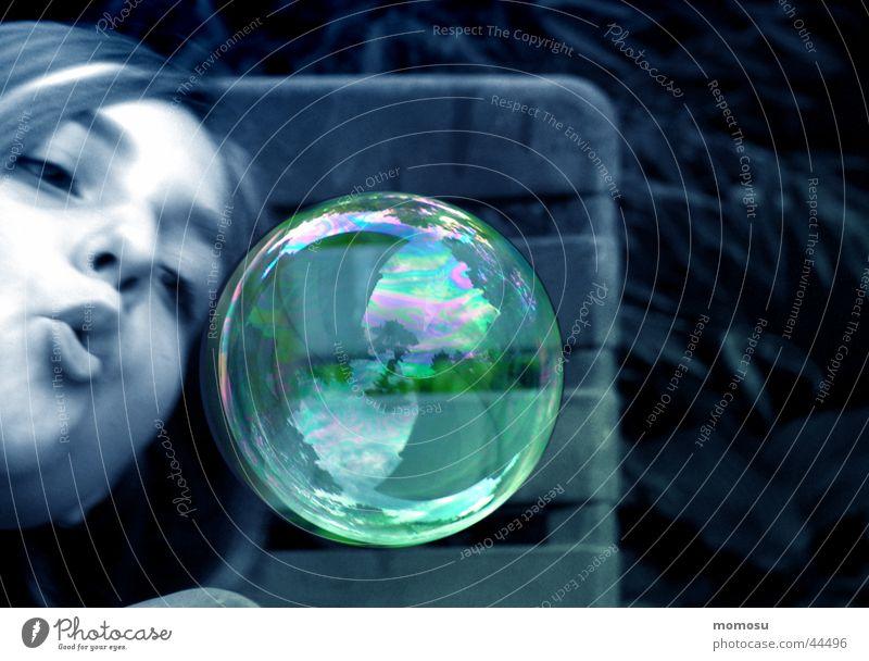 ...wie weggeblasen Seifenblase Reflexion & Spiegelung Luft Schweben Mädchen Freizeit & Hobby Blase fliegen