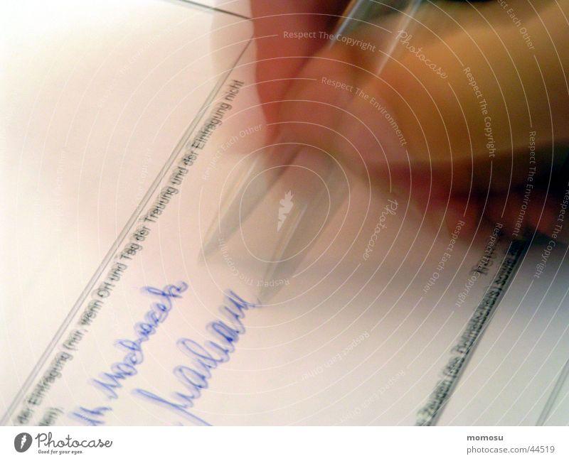 wenn  es zu schnell geht .... Freizeit & Hobby Schriftzeichen Papier Wort Ehe Kugelschreiber Schreibgerät Schreibstift Unterschrift Versprechen