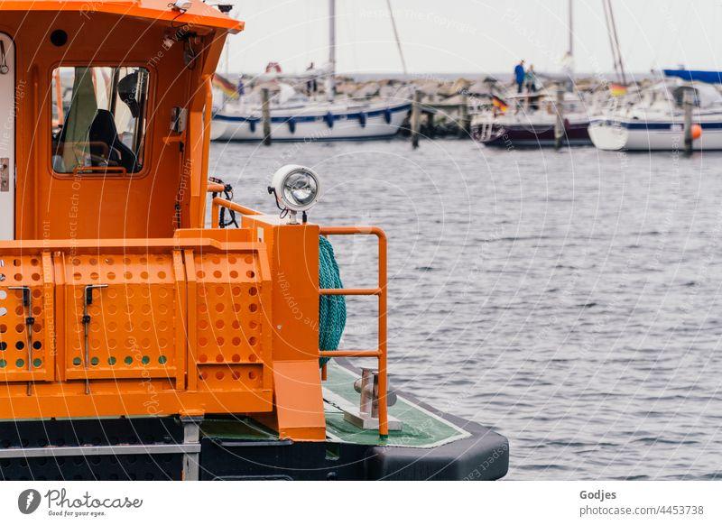 Schiff der Seenotrettung im Hafen Rettung Metall Boot Wasser Schifffahrt maritim Außenaufnahme Meer Menschenleer Wasserfahrzeug blau Ferien & Urlaub & Reisen