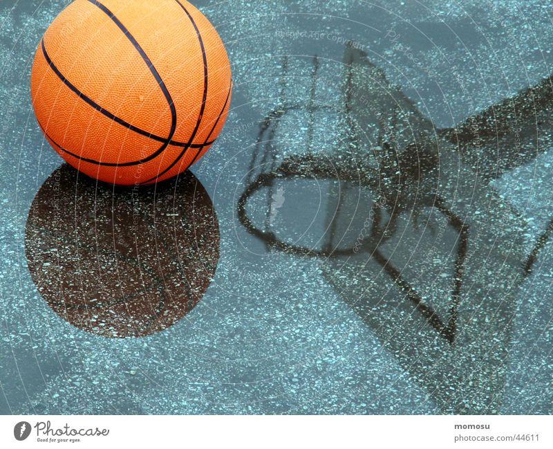regenunterbrechung Korb Spielen Freizeit & Hobby Asphalt Sport Basketball Ball Regen Wasser