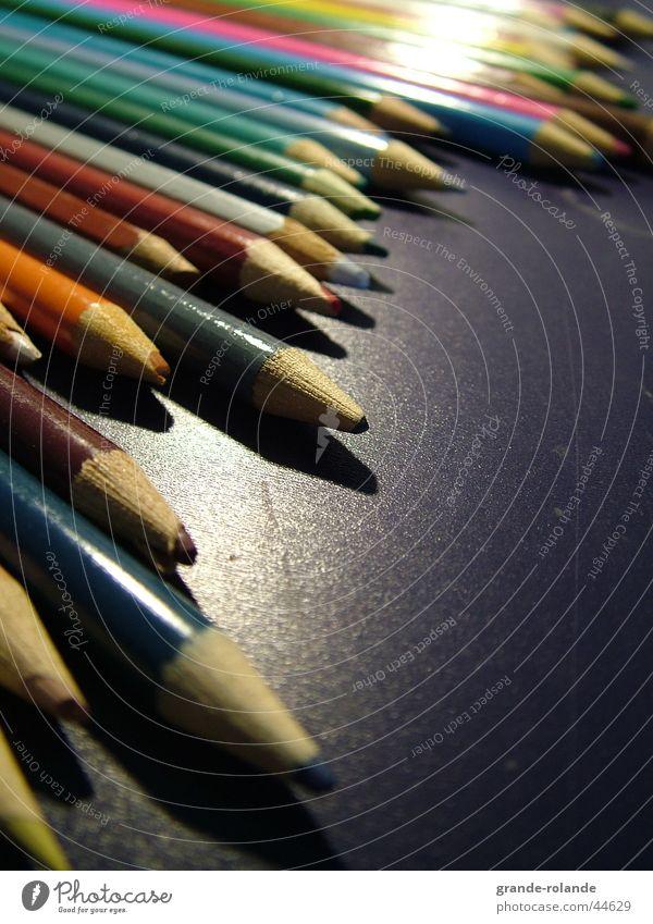 Buntstifte-4 Farbe Holz streichen Schreibtisch zeichnen Schreibstift Künstler Farbstift Farbmittel