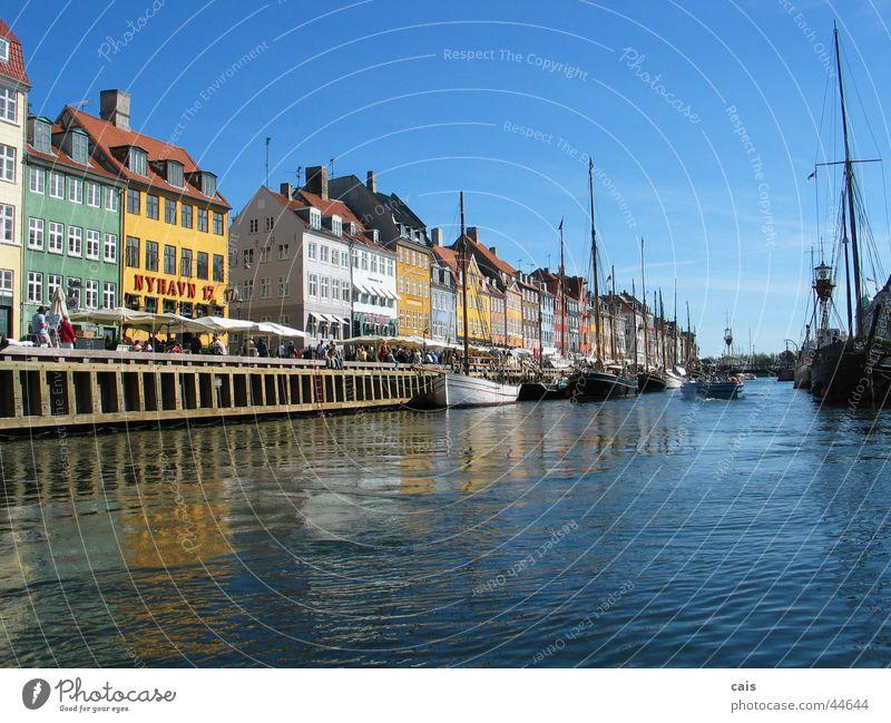 Nyhavn Kopenhagen Haus Wasserfahrzeug Europa Sommer Dänemark Hafen Altstadt Mensch Himmel Sonne