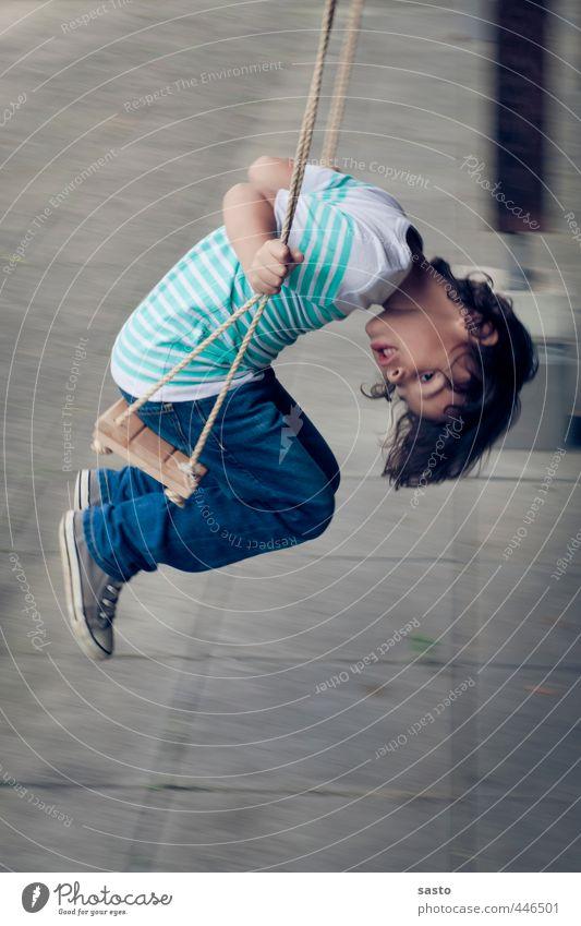 abhängen Mensch Kind Leben Spielen Junge Kindheit Neugier Schaukel 3-8 Jahre schaukeln