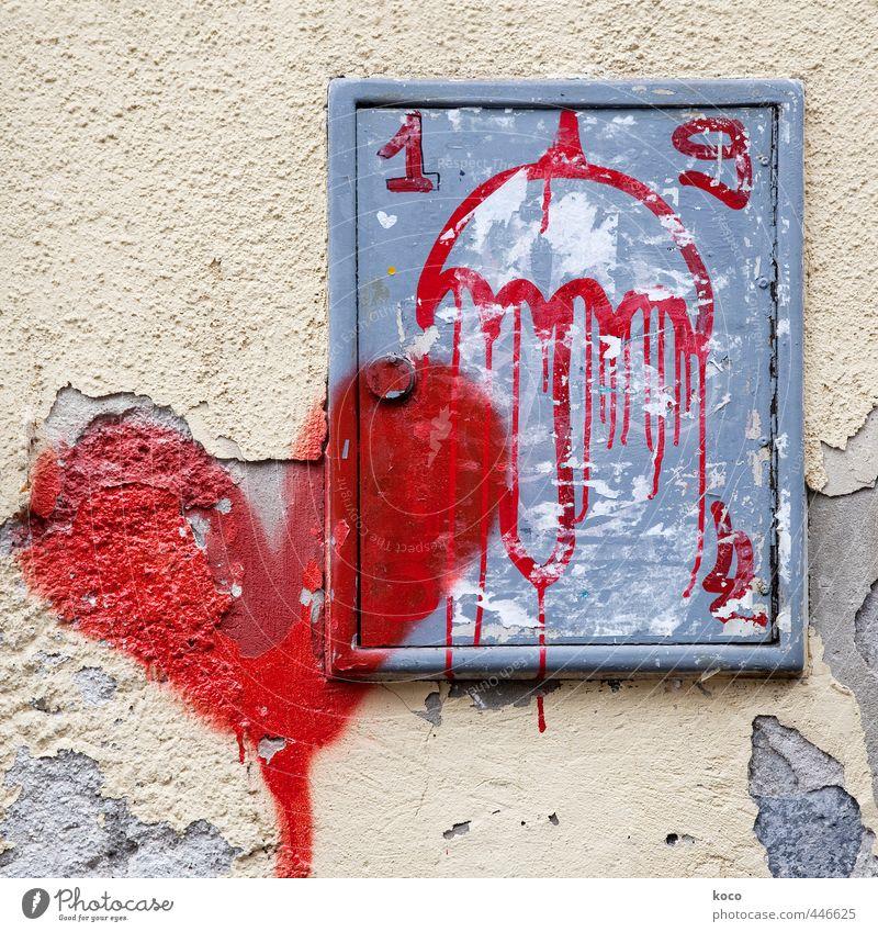 Es wird Regen geben. schlechtes Wetter Haus Mauer Wand Fassade Regenschirm Schirm Farbstoff Beton Metall Graffiti Herz alt kaputt trashig gelb grau rot weiß