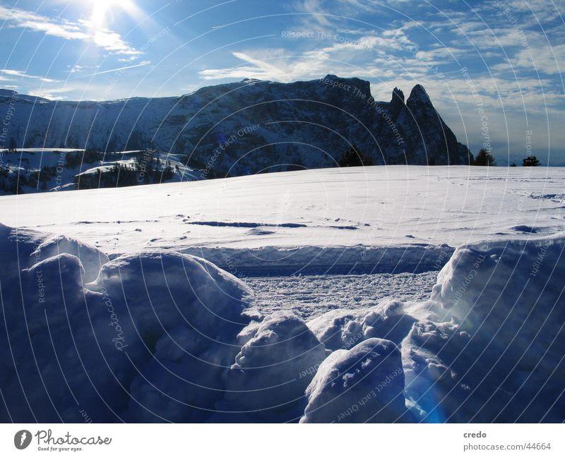 Südtirol Winterurlaub kalt weiß Berge u. Gebirge Schnee Alpen Graffiti Landschaft Natur Eis blau