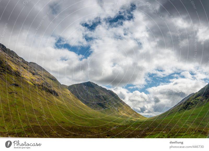 Das große Tal Natur Landschaft Himmel Wolken Sommer Schönes Wetter Gras Sträucher Moos Wiese Hügel Berge u. Gebirge Heide natürlich saftig Sauberkeit wild blau
