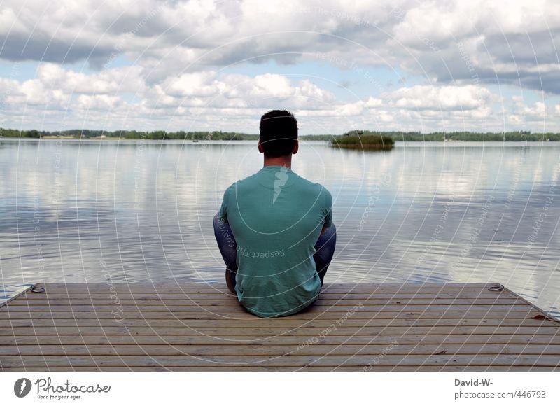 Ruhe Mensch Himmel Jugendliche Mann blau schön Wasser Erholung ruhig Landschaft Wolken Ferne Erwachsene 18-30 Jahre See Stimmung
