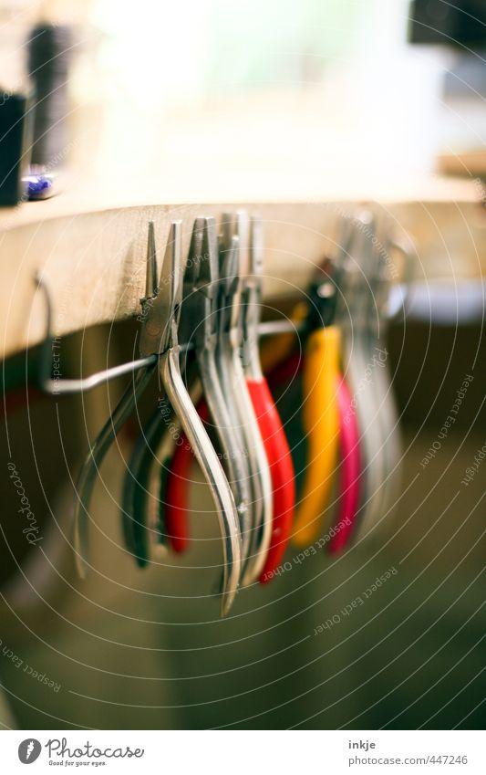 UT unterm Sonnenschirm | Goldschmiedewerkzeug Holz Metall Arbeit & Erwerbstätigkeit Zusammensein Freizeit & Hobby Häusliches Leben authentisch Spitze Beruf