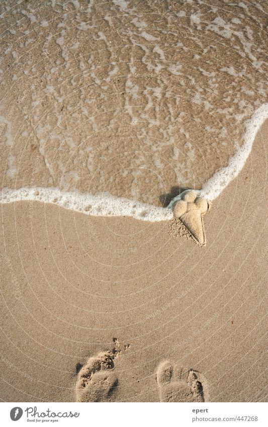 Sandeis am Sandstrand Speiseeis Freizeit & Hobby Ferien & Urlaub & Reisen Sommer Strand Meer Fröhlichkeit einzigartig nass Freude Kreativität Perspektive Schaum