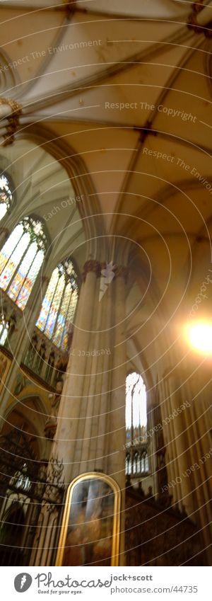 Column Cologne alt ruhig Ferne Fenster Architektur Religion & Glaube Stein oben Stimmung groß historisch Bauwerk Gemälde lang Sehenswürdigkeit