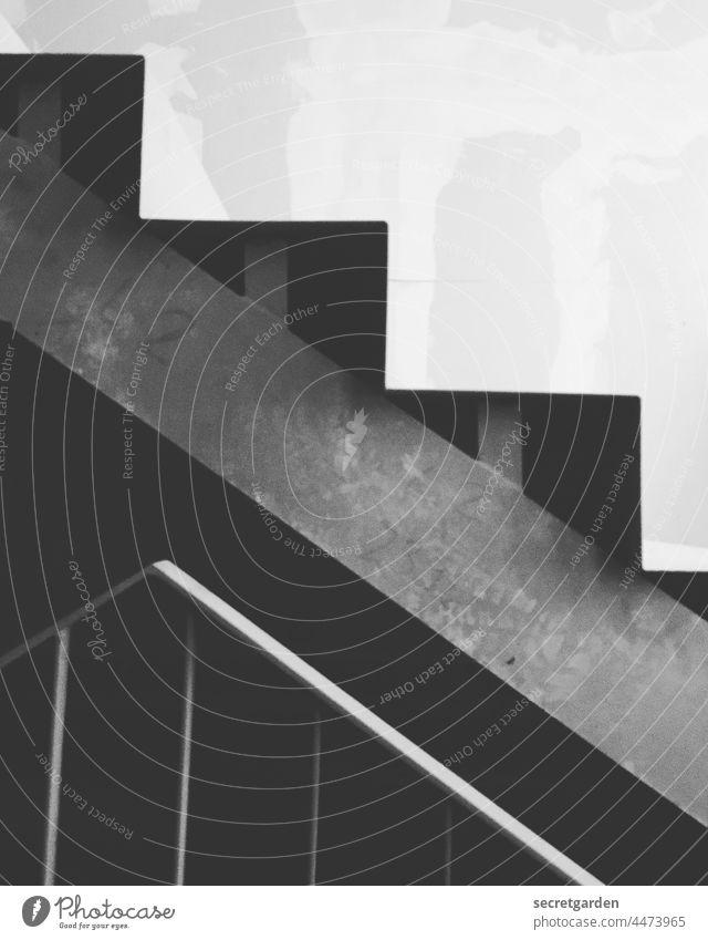 rauf und runter II Schwarzweißfoto weiss schwarz Treppe Architektur architektonisch Architekturfotografie kahler Baum Baustelle Moderne Architektur