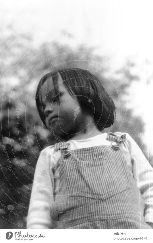 sorgenkind Kind Einsamkeit Spielen Traurigkeit Trauer Sorge