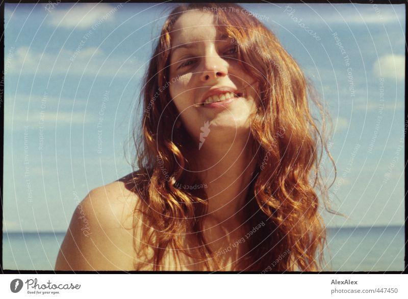 Ertappt! Jugendliche Ferien & Urlaub & Reisen schön Sommer Meer Erholung Junge Frau Freude Gesicht Erwachsene 18-30 Jahre sprechen Haare & Frisuren Horizont