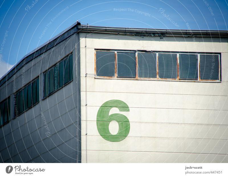 6 an der Ecke vom Lagerhaus Wolkenloser Himmel Berlin Wand Fassade Fenster Dachrinne Blitzableiter eckig retro authentisch modern Qualität Sechziger Jahre