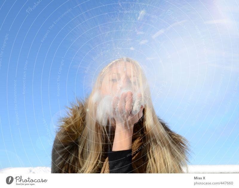 Schneesturm Freude Winter kalt Gefühle Haare & Frisuren Schneefall Stimmung Eis fliegen Freizeit & Hobby blond Schönes Wetter Fröhlichkeit Frost Lebensfreude