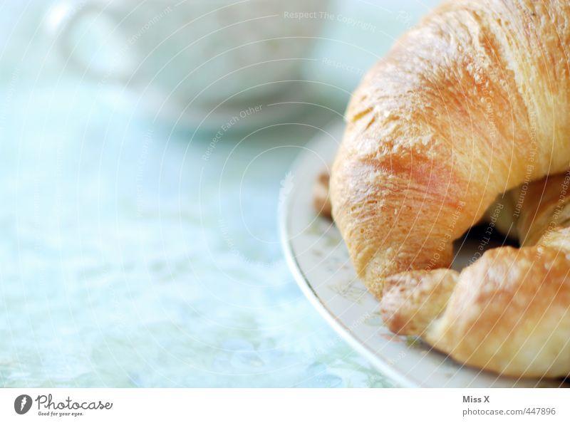 Frühstück Lebensmittel Croissant Ernährung Kaffeetrinken Büffet Brunch Getränk Tasse lecker süß Frühstückstisch Mahlzeit Vesper Café Bäckerei Tellerrand