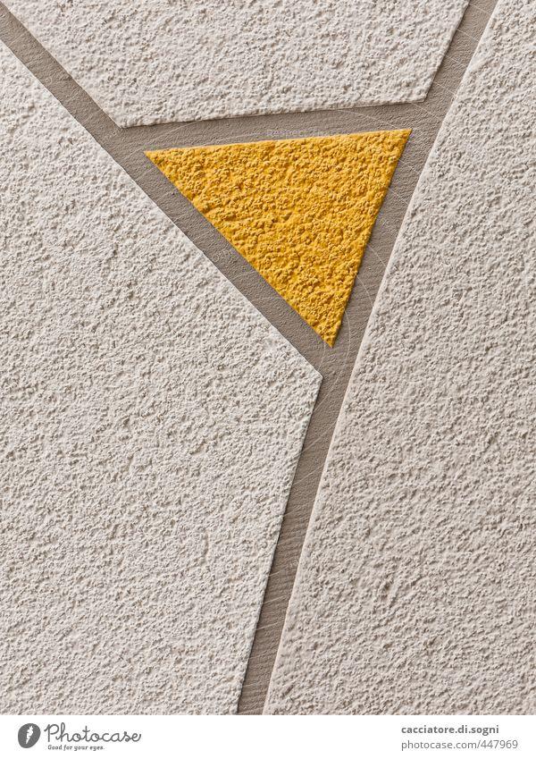 Aperitif Glas Architektur Fassade Tanga Stein Linie Dreieck einfach Erotik lustig Neugier feminin gelb grau weiß Stimmung Vorfreude elegant Kunst Scham Freude