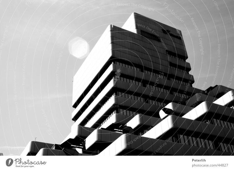 Stufen weiß Haus schwarz Architektur Düsseldorf