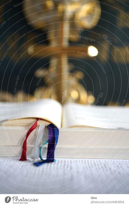 UT Teufelsmoor l am Altar Kirche Buch Religion Bibel Gesangbuch Kreuz Christentum heilig Hoffnung Gottesdienst Glaube Religion & Glaube Licht Gotteshaus