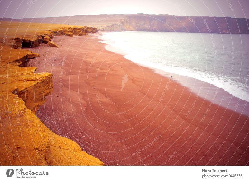 red beach Natur Ferien & Urlaub & Reisen Wasser Meer Erholung rot Einsamkeit ruhig Landschaft Strand gelb Umwelt Berge u. Gebirge Küste Schwimmen & Baden Sand
