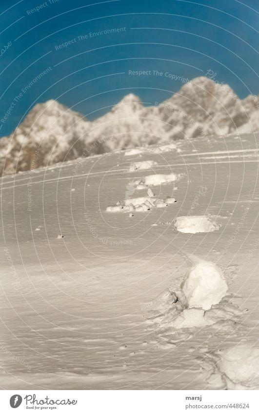 So weit kann`s nicht sein Natur Ferien & Urlaub & Reisen blau weiß Landschaft Winter Berge u. Gebirge Herbst Schnee Freiheit Felsen Horizont Freizeit & Hobby Tourismus wandern Perspektive