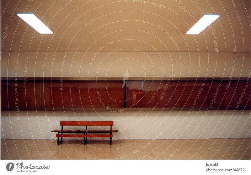 ohne Titel Raum leer Perspektive ruhig braun Bank Architektur Coolness warmton