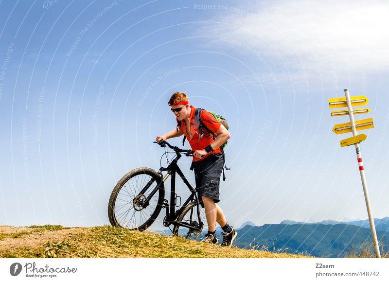 Ankunft Lifestyle Ferien & Urlaub & Reisen Fahrradtour Sommerurlaub Berge u. Gebirge Sport Fahrradfahren Junger Mann Jugendliche 1 Mensch 18-30 Jahre Erwachsene