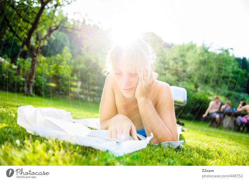 Leseratte Mensch Natur Jugendliche Ferien & Urlaub & Reisen schön Sommer Sonne Baum Erholung ruhig Junge Frau Erwachsene 18-30 Jahre Wiese feminin Stil