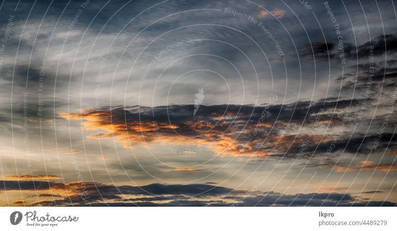 in philippinen abstrakte wolke und sonnenuntergang Sonne Himmel Sonnenuntergang Hintergrund Natur schön Cloud rot Sonnenaufgang hell Sonnenlicht gelb Landschaft