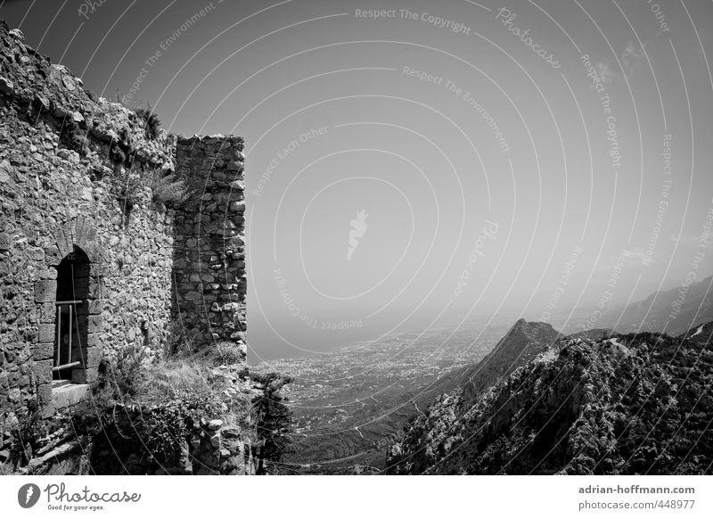 St. Hilarion Himmel Ferien & Urlaub & Reisen alt Meer Landschaft Fenster Berge u. Gebirge Wand Senior Mauer Gebäude Stein Felsen Fassade hoch Insel
