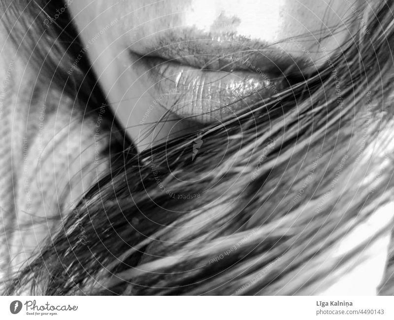 Lippen neben dem Haar Mund Frau Gesicht Haare & Frisuren Haut Kinn