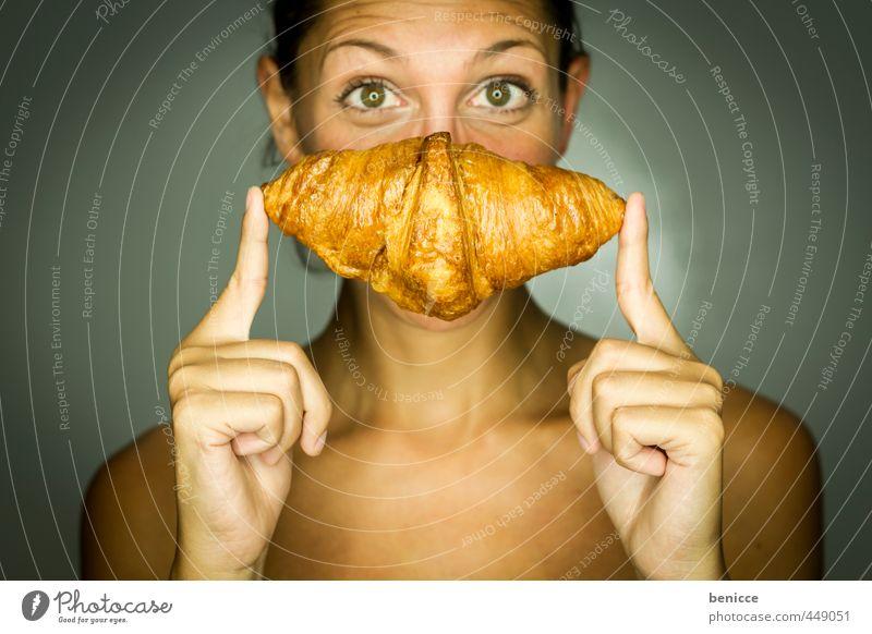 oui, oui, un croissant Mensch Frau nackt Gesicht Erotik feminin lachen Essen Speise Foodfotografie Lächeln Finger Beautyfotografie festhalten Europäer Werkstatt
