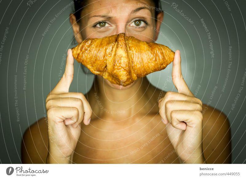 voila, un croissant Frau Mensch feminin Croissant Backwaren Brot Bäckerei Erotik reizvoll Blick in die Kamera festhalten Finger Gesunde Ernährung Speise Essen