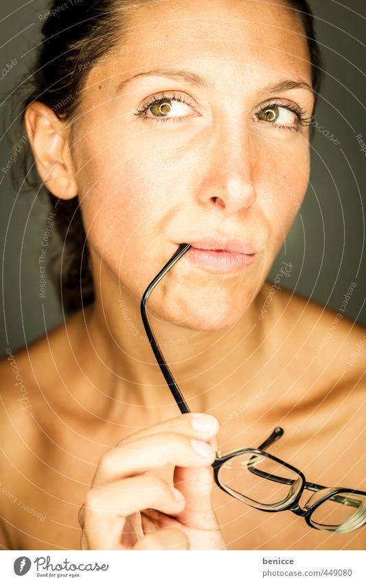 Glasses Mensch Frau schön nackt Auge Erotik Haut Mund Brille Beautyfotografie Europäer reizvoll Linse Sehvermögen Hochformat Optik