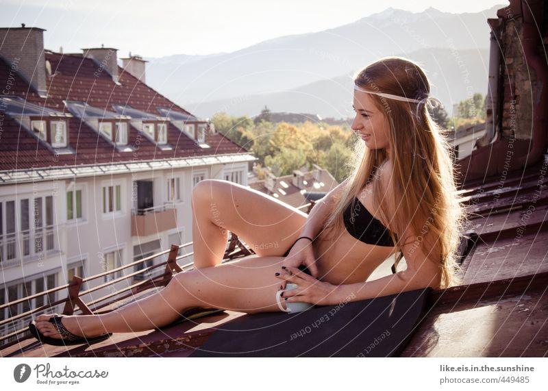 Kaffee am Dach II Jugendliche schön Stadt ruhig Junge Frau Haus Erwachsene 18-30 Jahre Leben feminin Erotik Glück Körper Freizeit & Hobby Haut Zufriedenheit