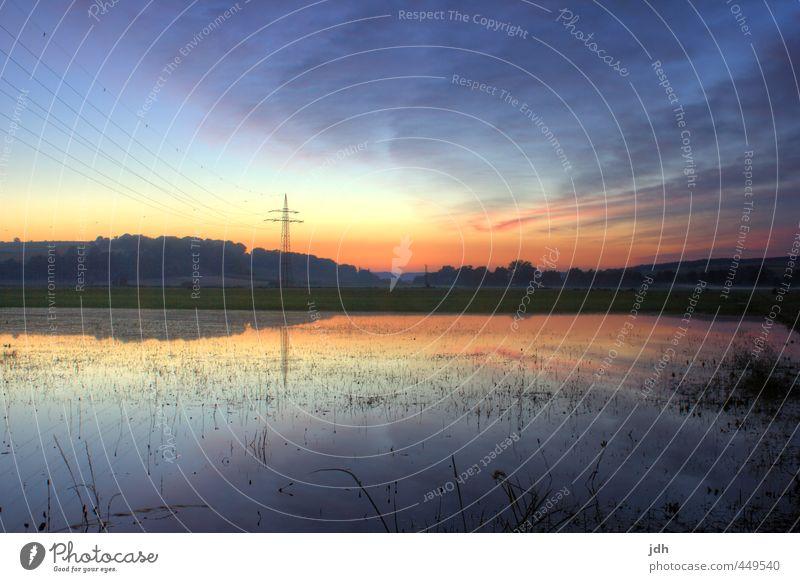 Sonnenuntergang hinter überfluteter Wiese Technik & Technologie Energiewirtschaft Erneuerbare Energie Wasserkraftwerk Kernkraftwerk Strommast
