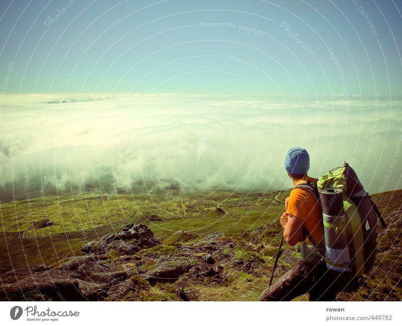 über den wolken Mensch Jugendliche Mann Ferien & Urlaub & Reisen Sommer Erholung ruhig Wolken Ferne Junger Mann Erwachsene Berge u. Gebirge Freiheit maskulin