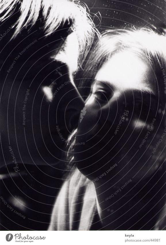 Doppelbild Spiegel Frau Reflexion & Spiegelung Licht Schwarzweißfoto Schatten