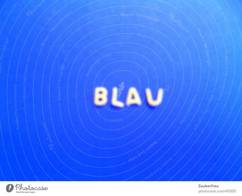 Blau, blauer am blausten! Freude Buchstaben Nudeln gebastelt Tonpapier