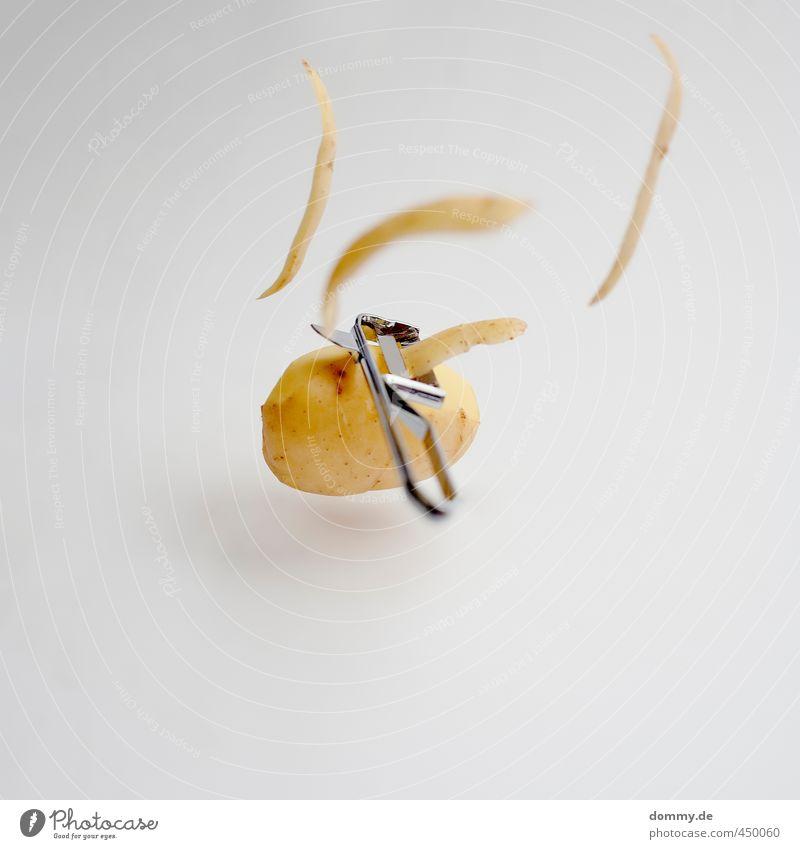 kartoffel schäle dich nackt gelb kalt Gesundheit braun Lebensmittel gold Fliege frisch Ernährung Sauberkeit gut deutlich Bioprodukte Schweben Abendessen