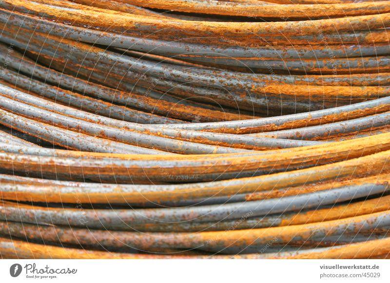 rostige stahlschlangen ... Beton Industrie Baustelle Stahl Handwerk Rost Material hart Männersache