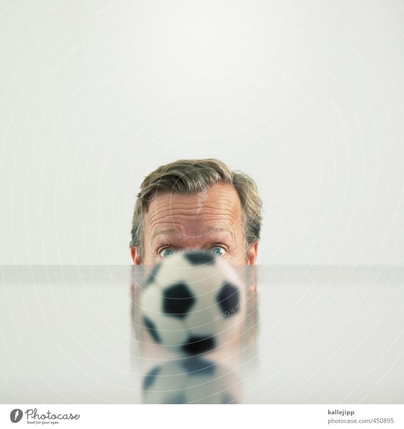tischkicker Sport Ballsport Sportler Fan Mensch maskulin Mann Erwachsene Kopf Haare & Frisuren Gesicht Auge 1 Blick Begeisterung staunen rund Unschärfe