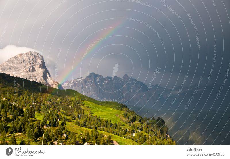 Licht und Schatten Natur Pflanze Landschaft Wolken Wald Umwelt Berge u. Gebirge Felsen Regen Wetter Nebel Klima Schönes Wetter Gipfel Alpen Hügel