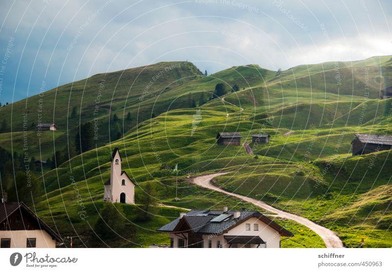 Untermieter | mit Heiligenschein Natur grün Pflanze Sommer Baum Landschaft Haus Umwelt Berge u. Gebirge Wiese Gras Regen Wetter Klima Schönes Wetter Kirche