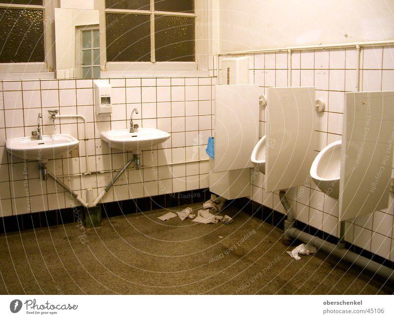 TOILETTENGEFLÜSTER dreckig Sauberkeit Toilette obskur urinieren igitt