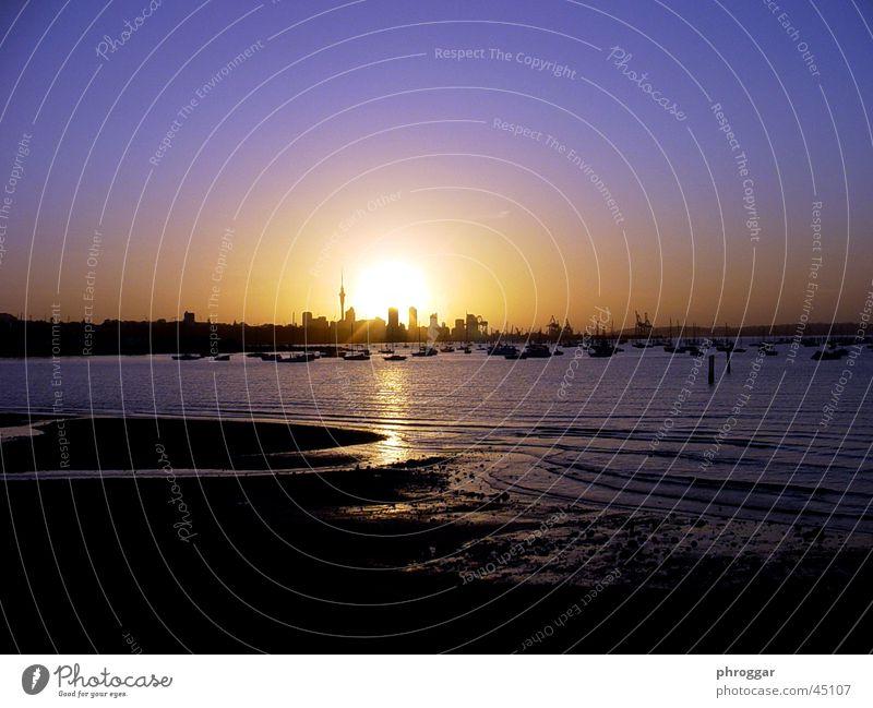 Skyline bei Nacht Wasser Sonne Meer Strand ruhig Australien