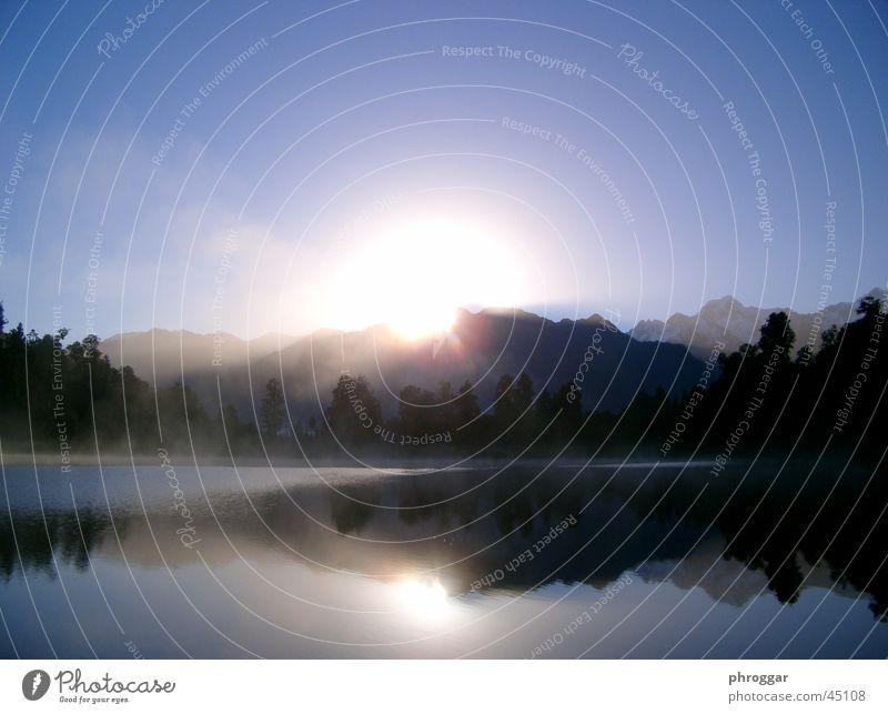 Lake Matheson Sonne ruhig See Nebel
