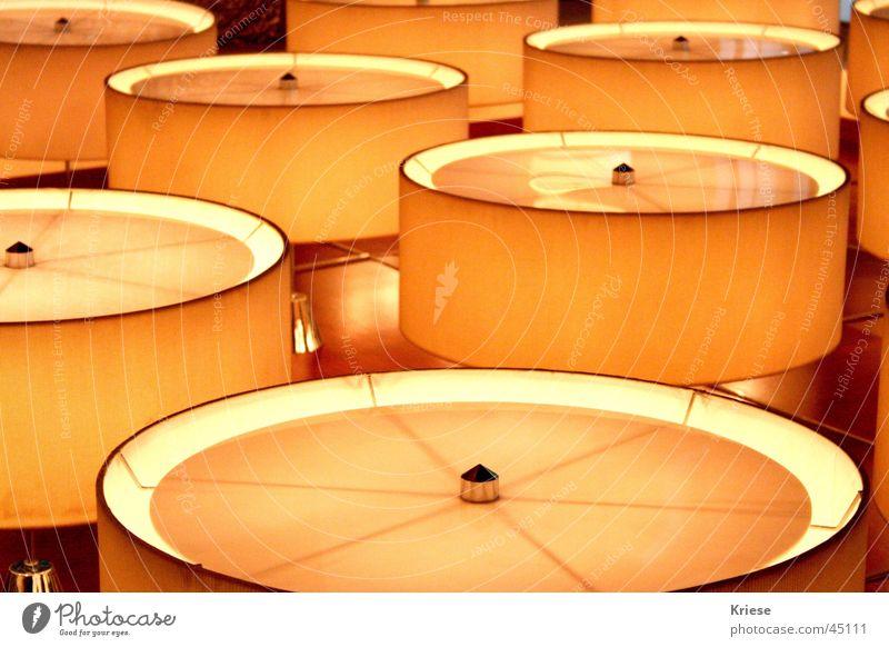 Alien Lampe Architektur Kreis Zukunft UFO dezent